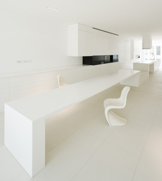 white-minimalist-interior-designs