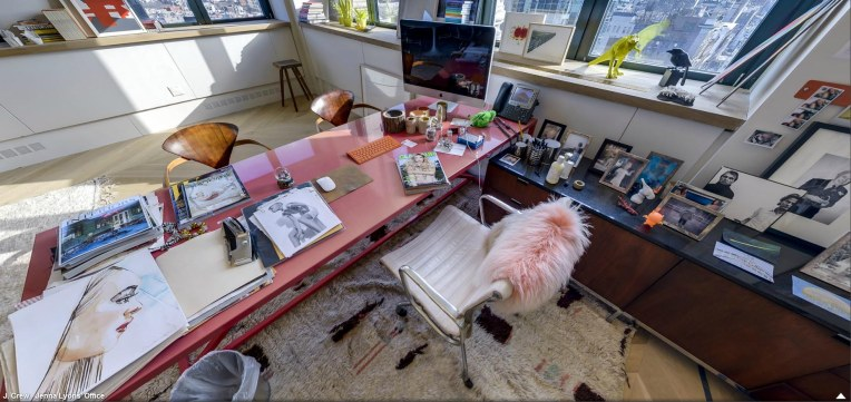 jenna lyons office table